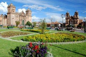 Cusco-Plaza-de-Armas-001