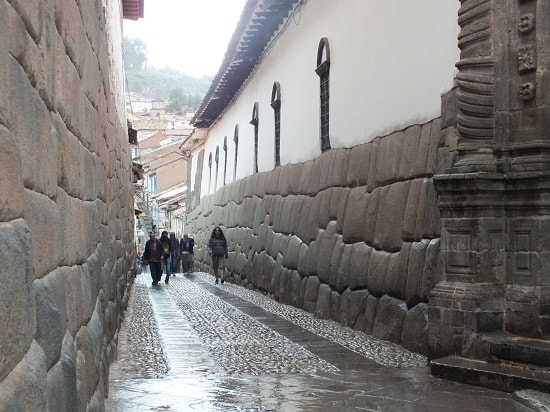 Hathunrumiyoc, the Inca Road