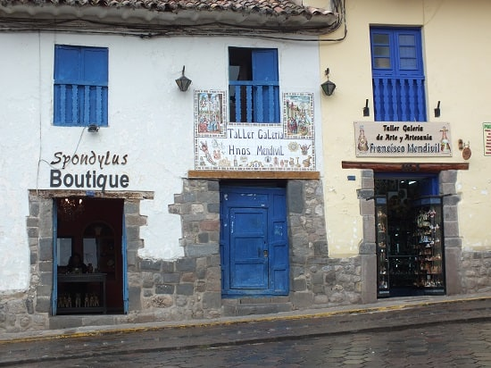 San Blas Shops and Galleries