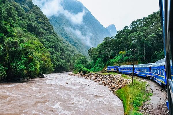 train on its way to machu picchu